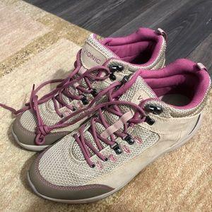 Vionic hiking boots
